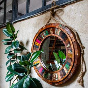 Зеркала и декор